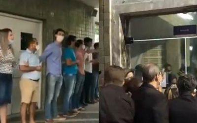 Bolsonaristas tentam invadir hospital