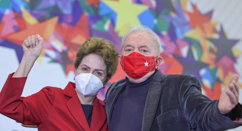Lula lembra de golpe contra Dilma
