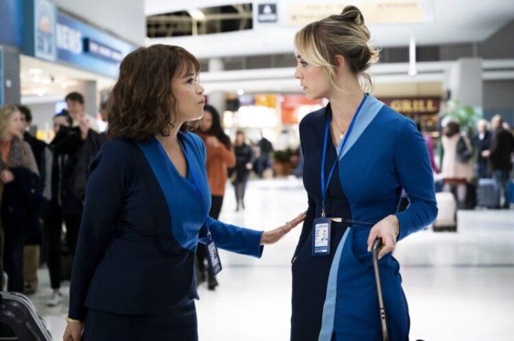 the flight attendant critica